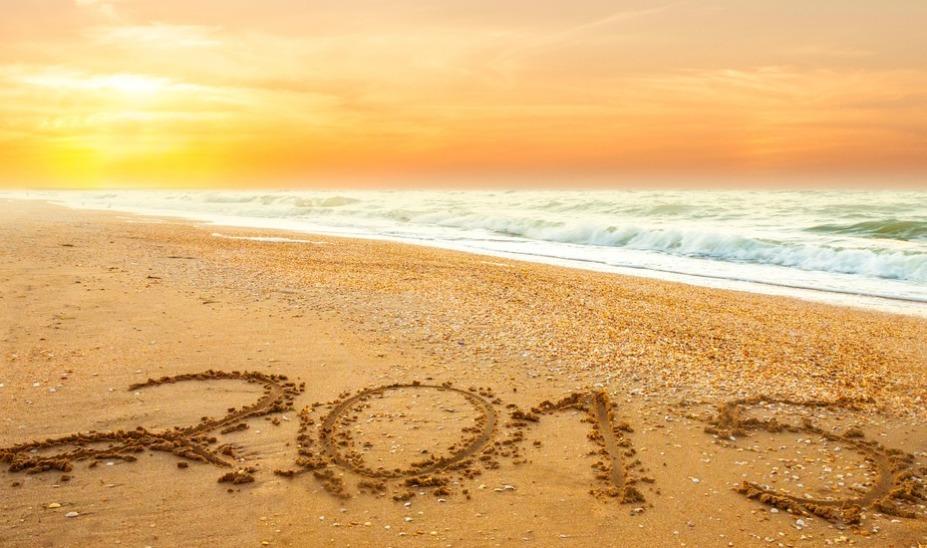 2015-written-in-sand-image-927x548
